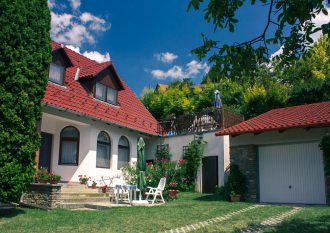 balaton-tihany-apartament-na-skalce-helka-travel